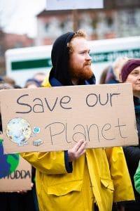 تظاهرات برای توقف نابودی زمین