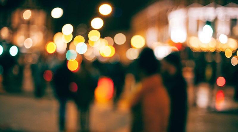 هزار تکه از من، هزار گوشهی تاریک و روشن